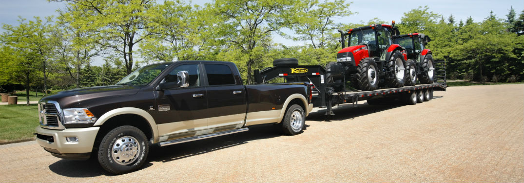Gooseneck vs 5th Wheel Hitch: How They are Different And Which Is Better